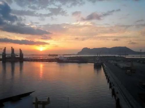 Lever de soleil sur Algeciras