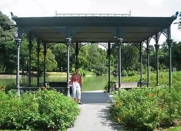 Brigitte au jardin botanique de Singapour
