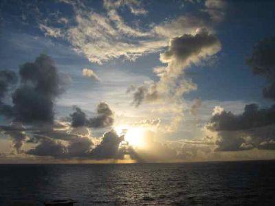 Lever du soleil à Tahiti