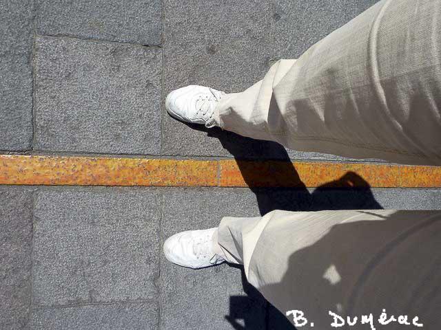 Mitad del Mundo -Un pied dans chaque hémisphère