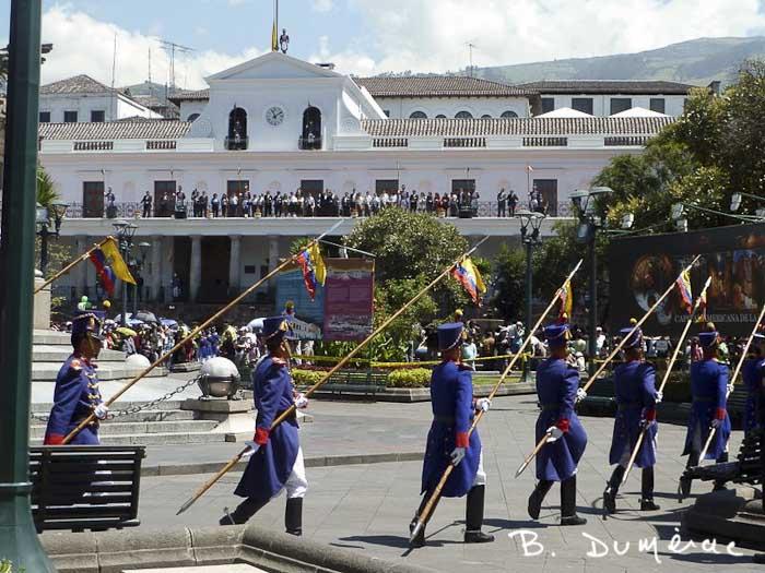 Quito garde à pied