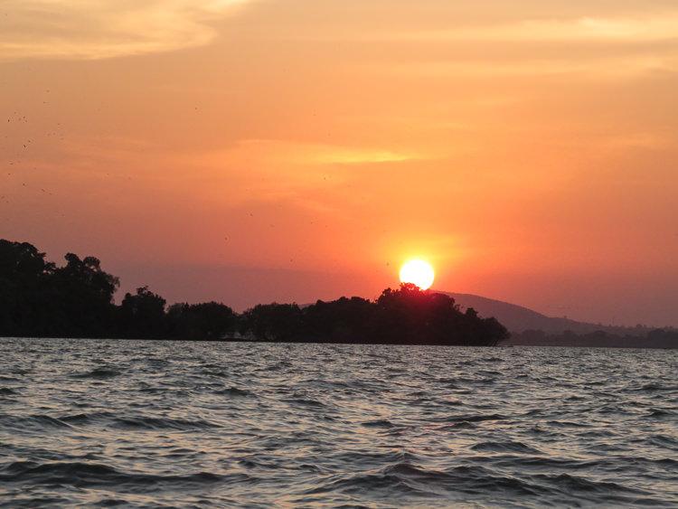coucher de soleil sur le lac Tana