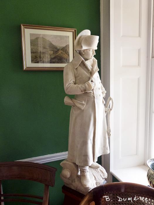 Les Briards, statue de Napoléon