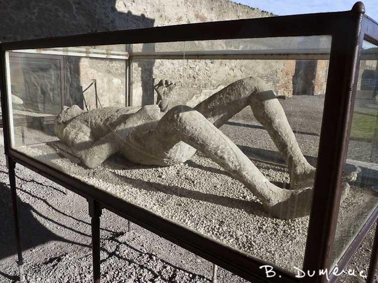 Pompéi corps pétrifié