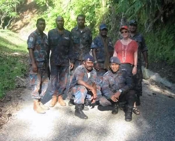 avec la police à Rabaul