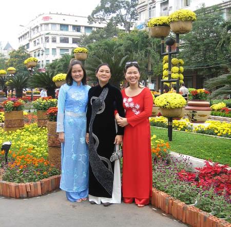 filles et maman Saigon
