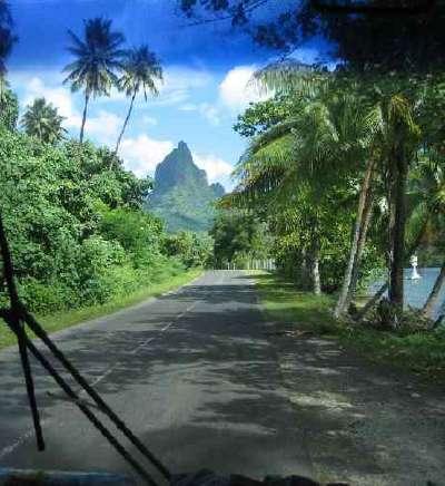 sur la route Tahiti